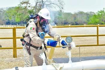 Pemex reporta mayor producción de crudo y gasolina