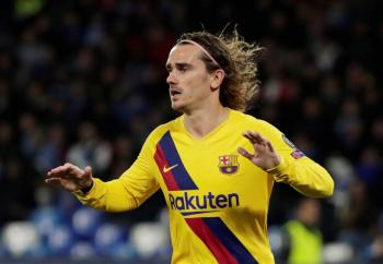 Griezmann salva al Barcelona de un combativo Napoli