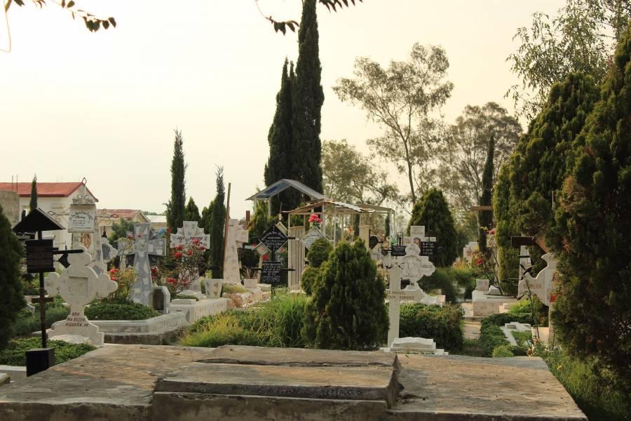 En panteón de Iztapalapa arrestan a ladrones de restos humanos