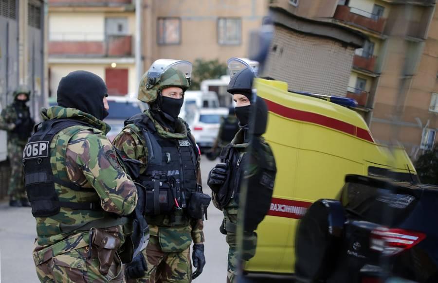 Evitan ataque armado planeado por dos jóvenes en escuela de Rusia