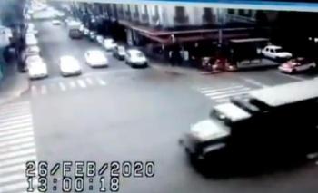 Camión militar atropella y mata a ciclista