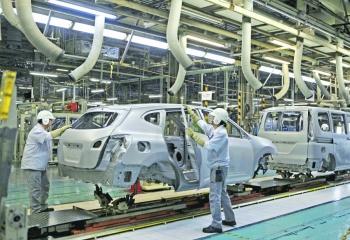 COVID19 desarma a la industria automotriz: Moody's