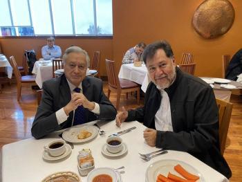Noroña presume desayuno fifi en El Cardenal con Bartlett