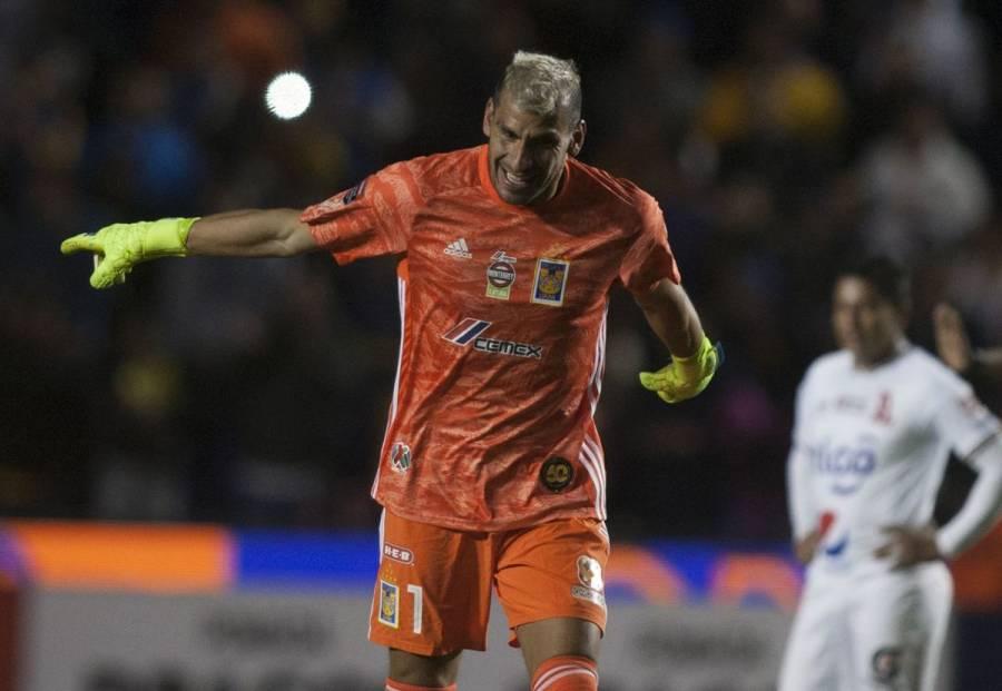 Nahuel Guzmán salva de eliminación a Tigres en Concachampions