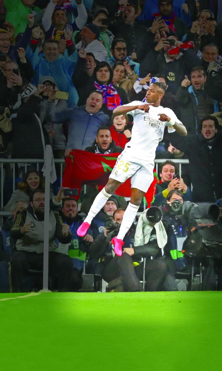 Real Madrid derrota y le quita el liderato al Barcelona