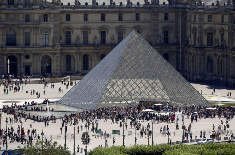 Por coronavirus, anuncian cierre del Museo de Louvre