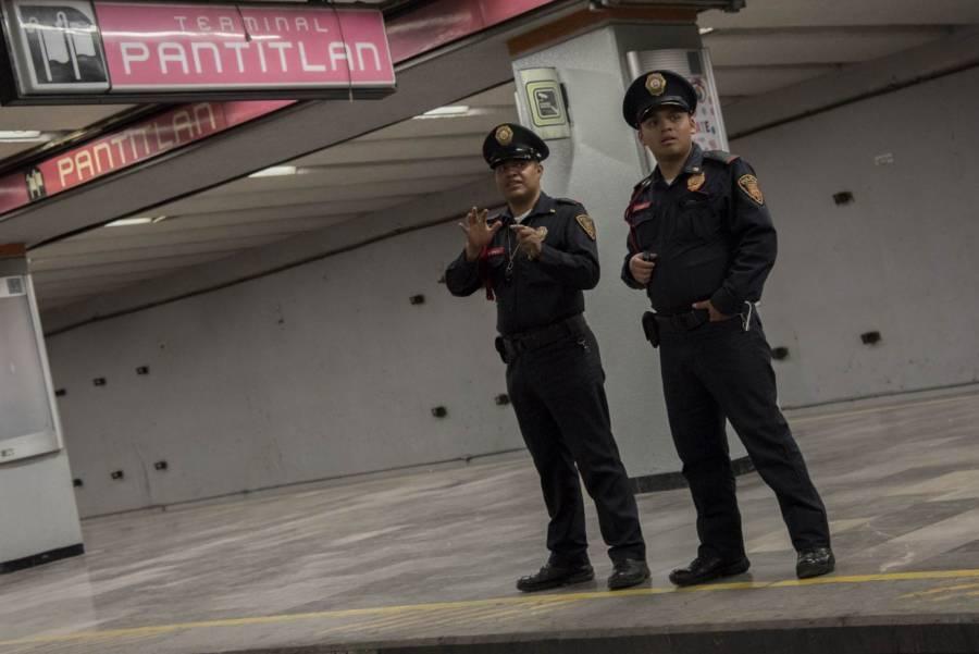 Siguen cerradas 3 estaciones de línea 5 del Metro por fuga en gasolinera