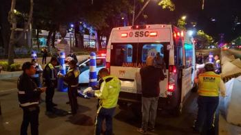 Buscan a hombre que atropello a mujer policía en alcoholímetro