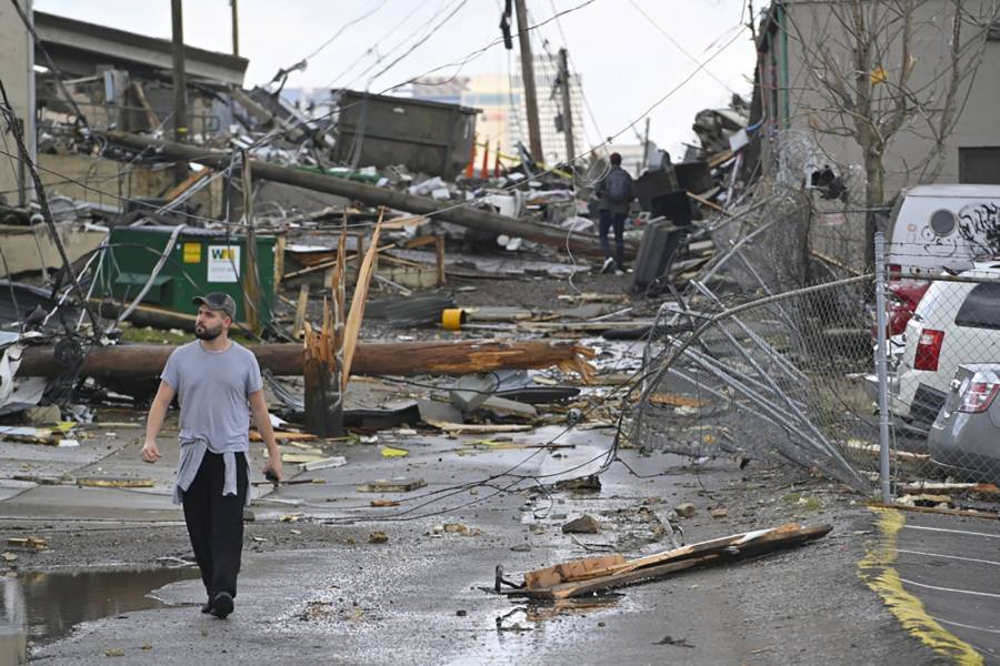 Asciende a 23 los muertos por tornados en Tennessee