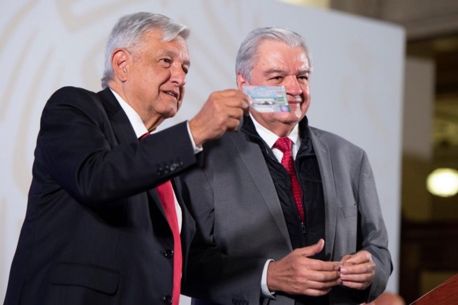 AMLO exhibe a Peña y Calderón por uso de avión presidencial