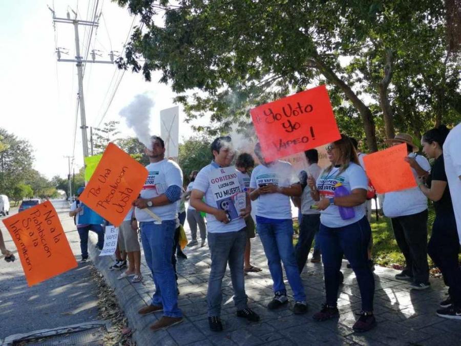 Choca Gobierno y Morena por vapeo