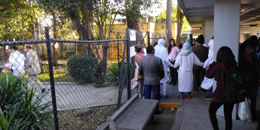 Encapuchados toman de nueva cuenta Prepa 5, exigen renuncia de directora