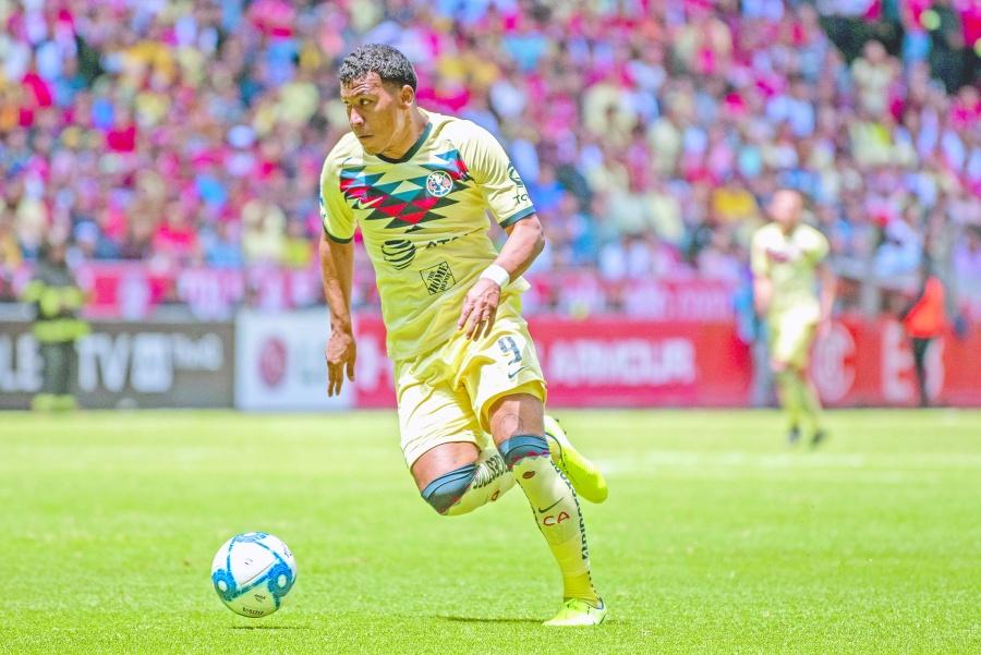 Por ocho ausencias Roger Martínez vuelve ante Pumas