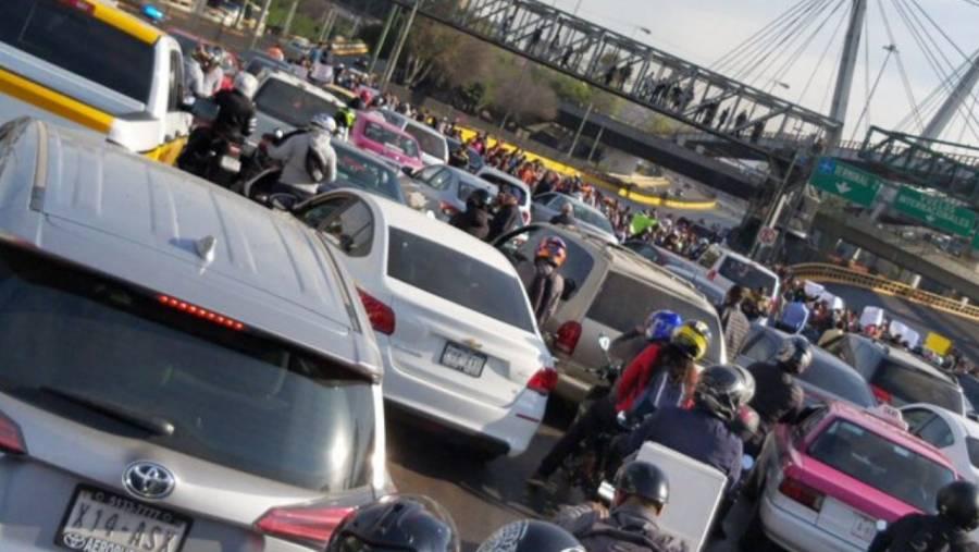 """Familias de reos en """"El Altiplano"""" se manifestaron afuera del AICM"""