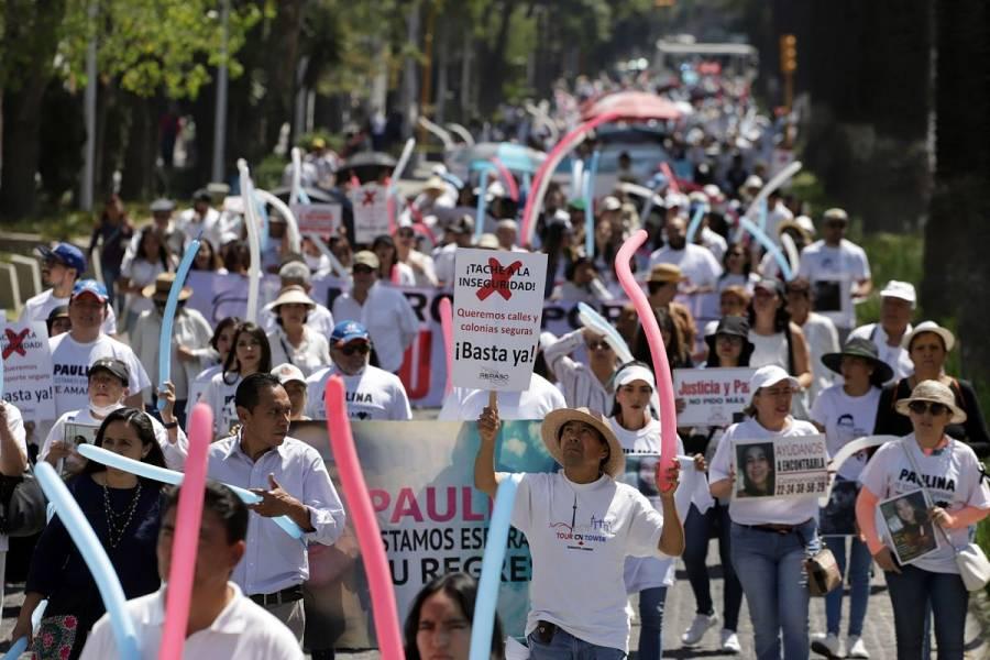 Poblanos brindan muestras de apoyo a marcha de universitarios