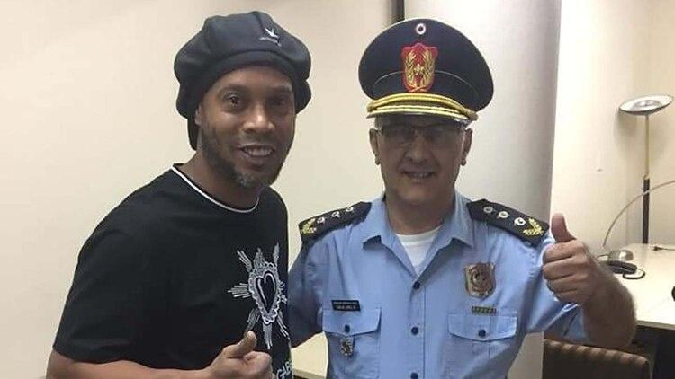 Ronaldinho deja la fiscalía de Paraguay sin cargos