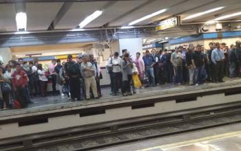 Usuarios son desalojados de la línea dos del Metro