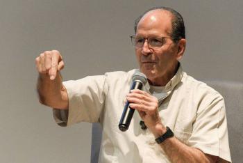 Padre Solalinde arremete contra Frida Guerrera: ¿Quién te financia?