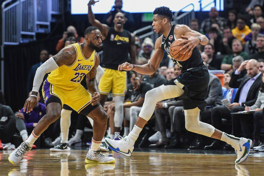 Lakers buscará despejar dudas ante Milwaukee Bucks