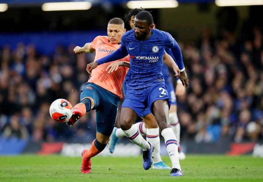 Chelsea golea al Everton y se afianza en la cuarta plaza