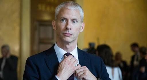 El ministro de Cultura de Francia, Franck Riester dio positivo al coronavirus