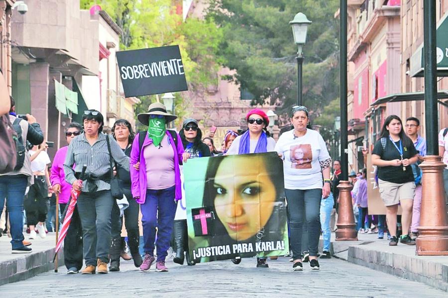 Marchan miles de mujeres por 8M en san luis potosí