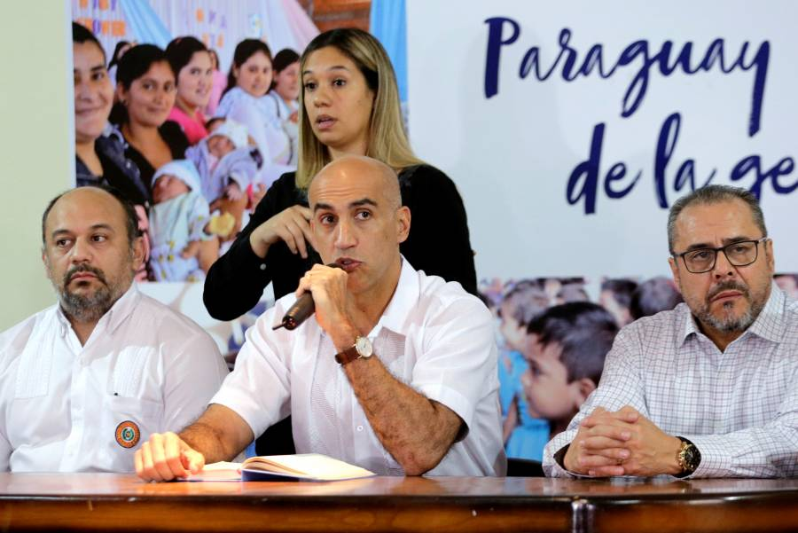 Tras dos casos de Covid-19, Paraguay suspende clases y eventos masivos