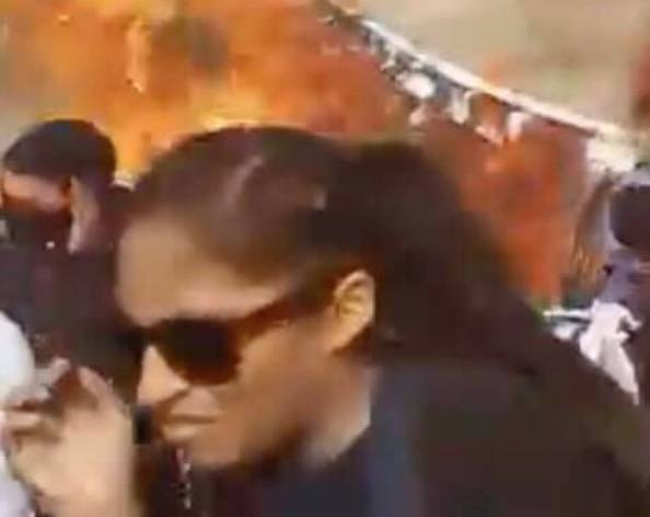FGJ busca a mujer que lesionó a fotógrafa con bomba molotov