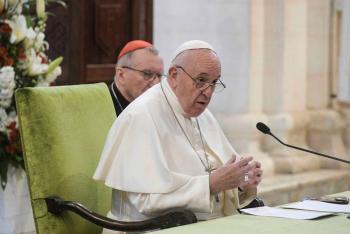 Papa insta a sacerdotes visitar a enfermos de coronavirus