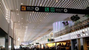 Dos pasajeros provenientes de Italia, presentan fiebre en el AICM