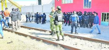 Sin violencia liberan vías del tren en Puebla