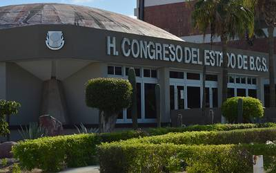 Morena exige respeto a la independencia del Poder Legislativo