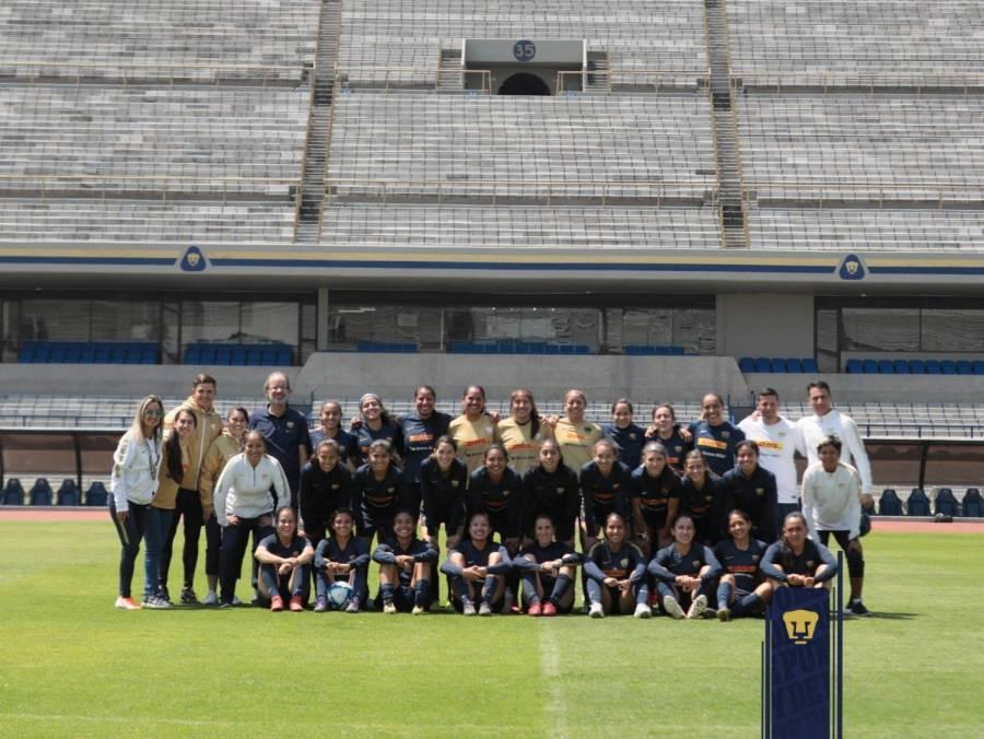 Pumas femenil entrena por primera vez en el Estadio Olímpico Universitario