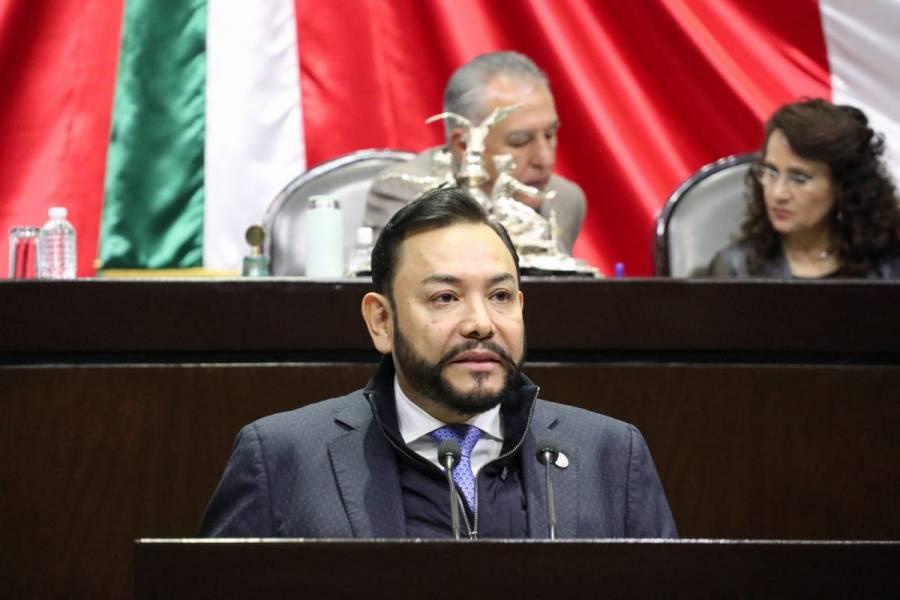 HACER JUSTICIA A ELEMENTOS DE FUERZS ARMADAS A TRAVÉS DE ASCENSOS Y RECOMPENSAS: HÉCTOR SERRANO