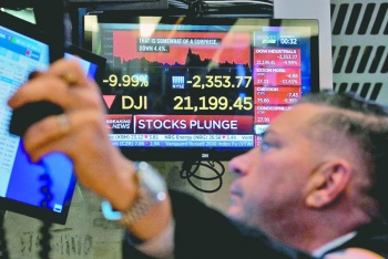 Covid-19 aplasta monedas, Bolsas, empresas y consumo