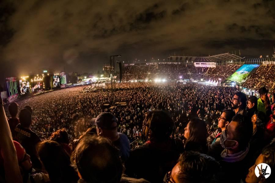 Primer día de Vive Latino, reunió a 41 mil personas, sólo 27 con fiebre