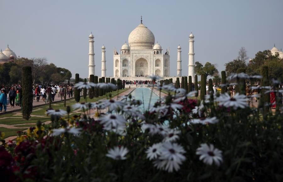 Anuncian cierre del Taj Mahal por el coronavirus