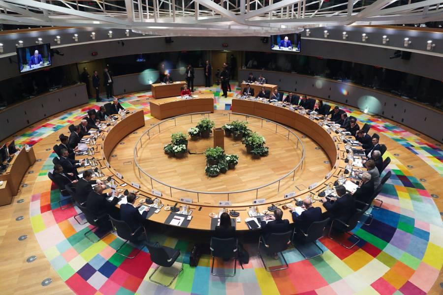 Unión Europea considera cerrar fronteras por 30 días