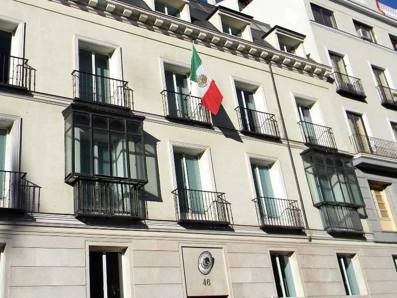 Reducen atención embajadas y consulados de México en el extranjero por Covid-19
