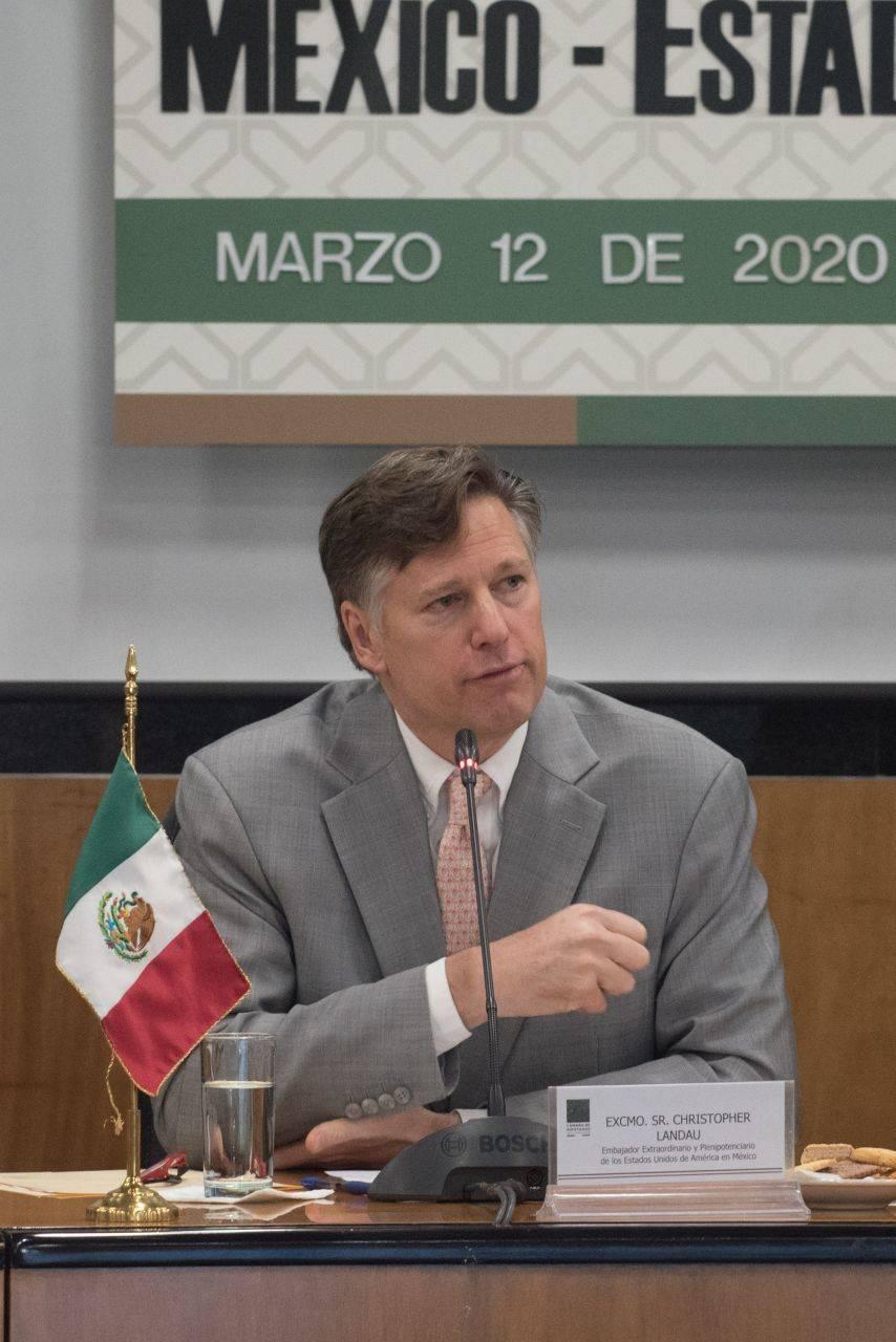 El embajador de EU en México llama mentiroso a Raymundo RivaPalacio