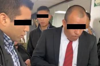 Aprehenden a director de área de la FGR relacionado con caso Ayotzinapa