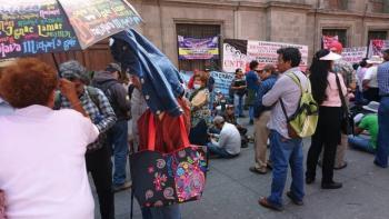 CNTE coloca plantón en el Zócalo de la CDMX