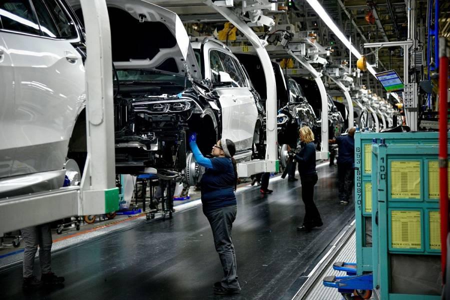 Frena BMW su producción en Europa y Sudáfrica
