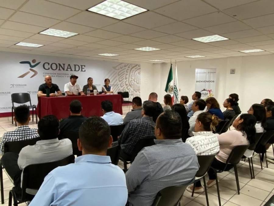 Asistentes a reunión en Conade faltan al protocolo ante coronavirus