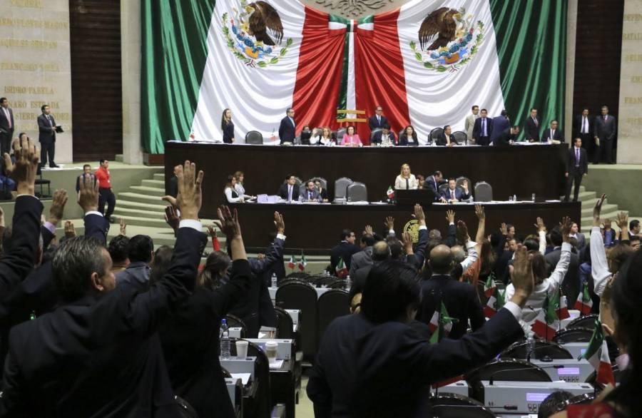 APRUEBAN REELECCIÓN DE HASTA POR 4 PERIODOS PARA DIPUTADOS Y 2 PARA SENADORES