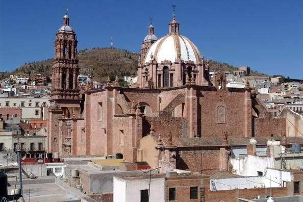 Zacatecas reforzó sus labores de limpieza en el Centro Histórico ante COVID-19