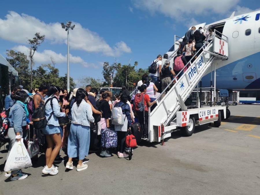 Despega vuelo con mexicanos varados en Perú por coronavirus