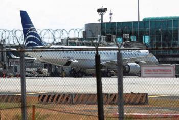 Colombia suspende arribo de vuelos internacionales