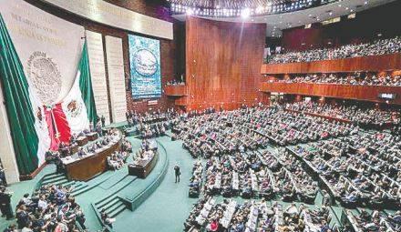 Diputados avalan acusar a Robles ante el Senado