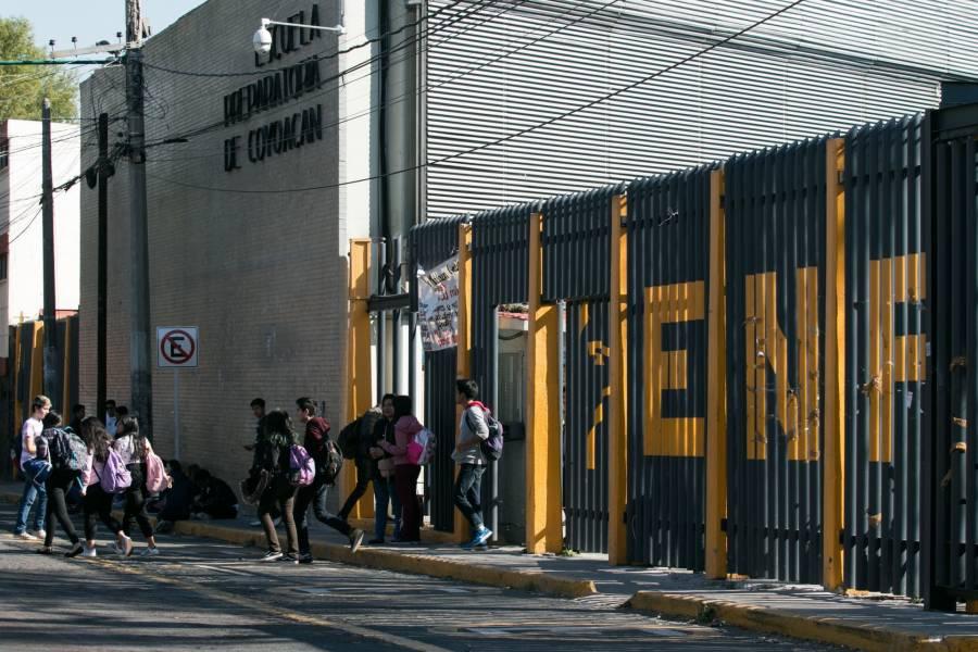 UNAM toma posesión de la Prepa 6